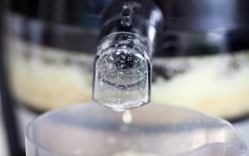 Preparazione Centrifugato di ananas, mela e sedano - Fase 2