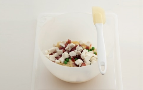 Preparazione Gattò di patate con mozzarella e prosciutto - Fase 1