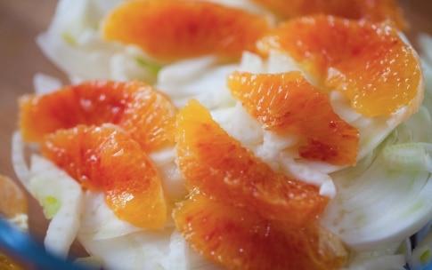 Preparazione Insalata di arance, songino, pistacchi e finocchi - Fase 2