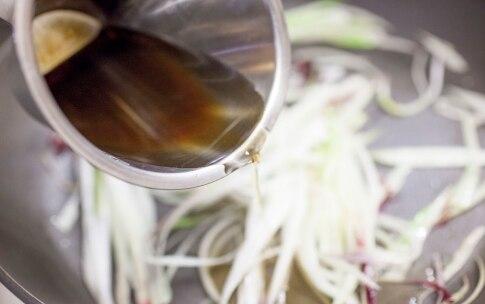 Preparazione Timpano di tagliatelle, peperoni e acciughe - Fase 2
