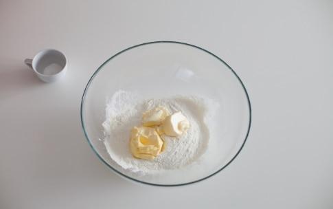 Preparazione Pasta frolla salata - Fase 1