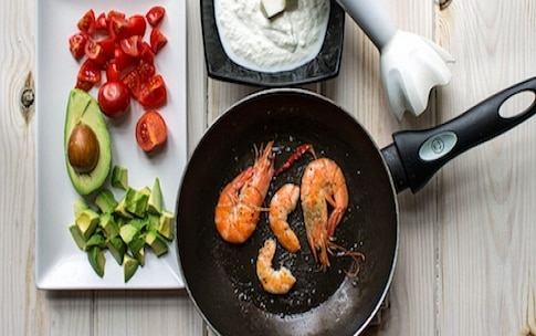 Preparazione Bicchierini salati ai gamberi - Fase 3