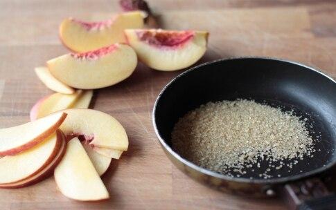 Preparazione Budino alla vaniglia con pesche caramellate - Fase 4