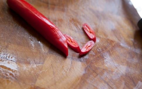 Preparazione Filetti di branzino con spinaci piccanti - Fase 2