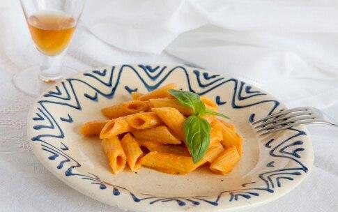 Preparazione Penne con pomodoro crudo e vaniglia - Fase 5