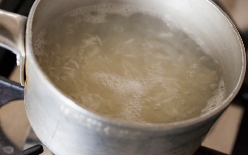 Preparazione Pollo con anacardi e riso Basmati - Fase 2
