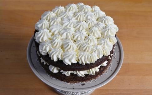 Preparazione Torta alla vaniglia con fragole e cioccolato - Fase 5