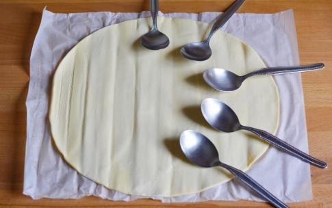 Preparazione Cucchiai di sfoglia con mousse di ricotta - Fase 1