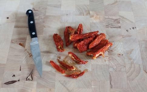 Preparazione Frittatine ai pomodori secchi, pecorino e timo - Fase 3