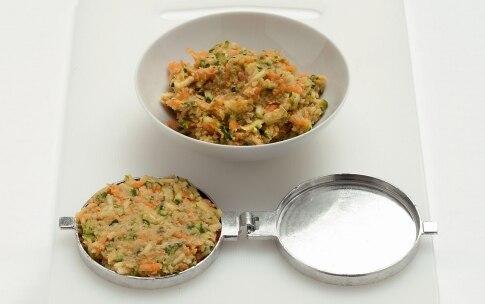 Preparazione Hamburger vegetariano nel panino al sesamo - Fase 2