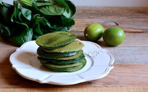 Preparazione Pancake verdi al burro di lime - Fase 3