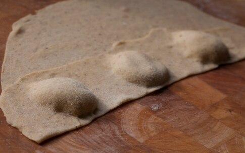 Preparazione Ravioli di grano saraceno con melanzane e burro alla menta - Fase 7
