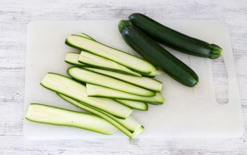 Preparazione Rotolini di zucchine con mandorle e parmigiano - Fase 2