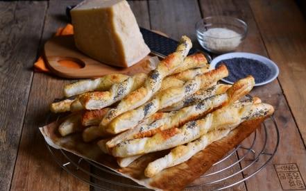 Stuzzichini al formaggio e paprika dolce