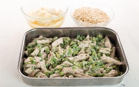 Preparazione Pollo con fave, piselli e briciole croccanti - Fase 3