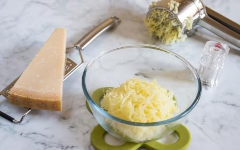 Preparazione Vellutata di asparagi con polpettine di patate - Fase 4