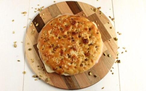 Preparazione Focaccia ripiena con mortadella e formaggio - Fase 5