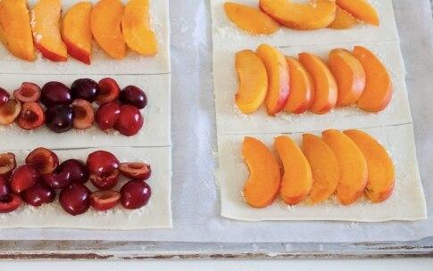 Preparazione Sfogliatine alle albicocche e ciliegie - Fase 4