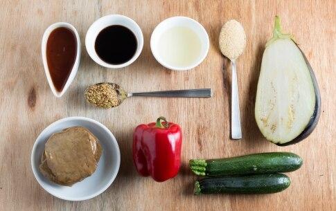 Preparazione Spiedini di seitan e verdure al forno - Fase 1