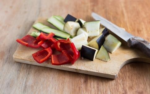 Preparazione Spiedini di seitan e verdure al forno - Fase 2