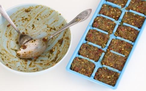 Preparazione Sugo ai pomodori secchi e mandorle da congelare - Fase 5