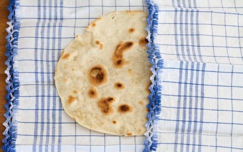 Preparazione Tacos con carne alla griglia e verdure - Fase 3