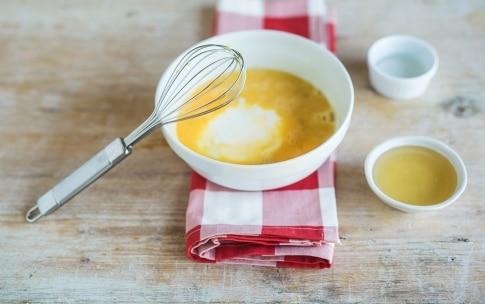 Preparazione Torta al limone e miele con semi di papavero - Fase 2