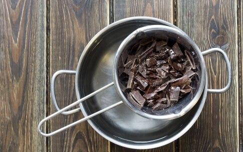 Preparazione Gelato alla crema ricoperto di cioccolato - Fase 4
