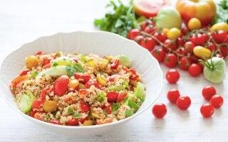 Insalata di pomodori e cereali