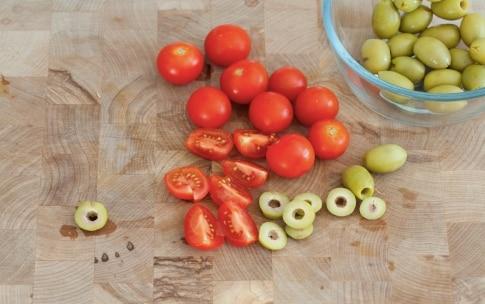 Preparazione Pasta fredda con pomodorini, pesto e mozzarella - Fase 2