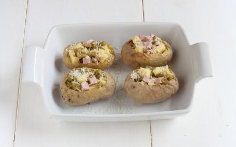 Preparazione Patate ripiene di prosciutto, formaggio e fagiolini - Fase 3