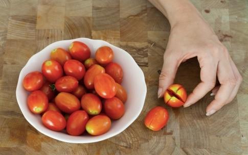 Preparazione Pomodori ripieni di ricotta e erbe aromatiche - Fase 1