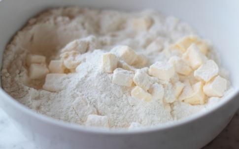 Preparazione Torta allo yogurt e frutti di bosco - Fase 1