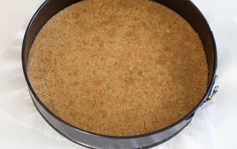 Preparazione Cheesecake senza cottura alle more - Fase 2