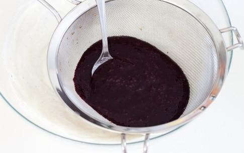 Preparazione Cheesecake senza cottura alle more - Fase 4