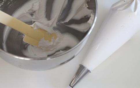 Preparazione Crostata meringata ai frutti esotici - Fase 5