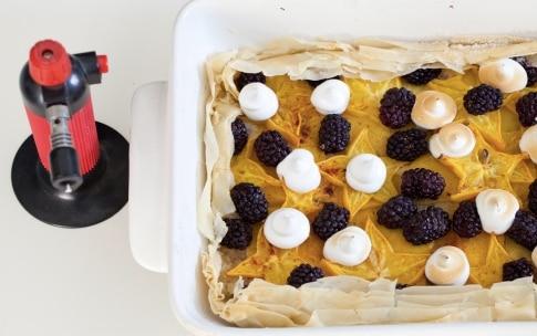 Preparazione Crostata meringata ai frutti esotici - Fase 6
