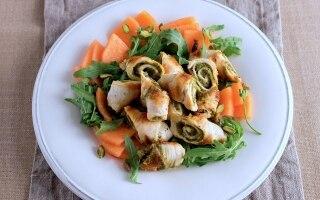 Involtini di pollo ai pistacchi e insalata...