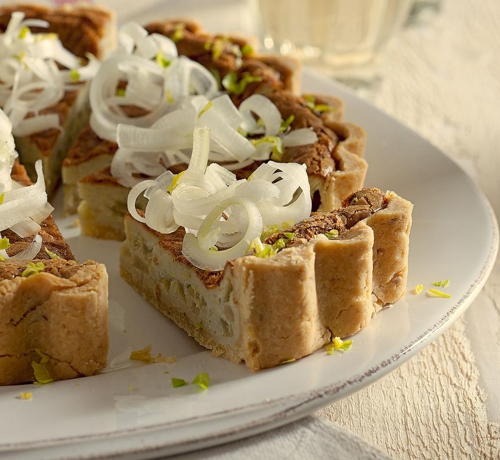 Quiche con nocciole, sedano e gorgonzola