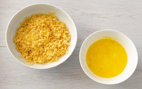 Preparazione Crocchette di pollo in panatura di patatine - Fase 1
