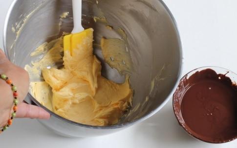 Preparazione Torta al cioccolato fondente con crema al cocco - Fase 1