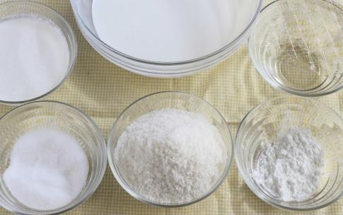 Preparazione Torta al cioccolato fondente con crema al cocco - Fase 4