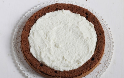 Preparazione Torta al cioccolato fondente con crema al cocco - Fase 7
