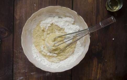 Preparazione Waffle alla ricotta e mirtilli - Fase 1