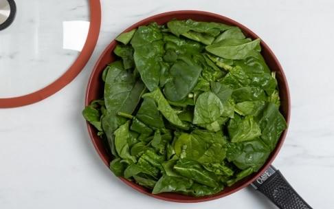 Preparazione Crepes di ricotta e spinaci - Fase 1