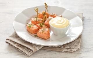 Cubi di salmone al pepe e zenzero con...