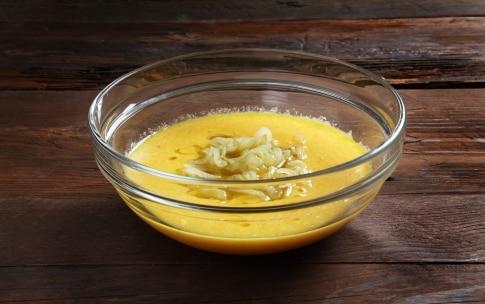 Preparazione Frittata di cipolle - Fase 2