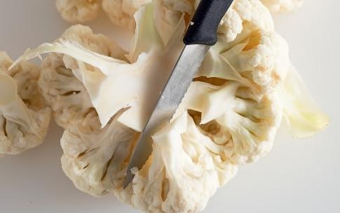 Preparazione Frittelle di cavolfiore alle erbe aromatiche - Fase 2