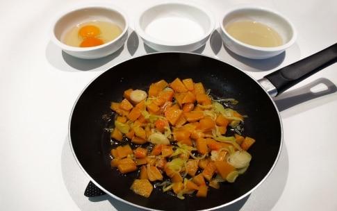 Preparazione Muffin alla zucca con cuore di gorgonzola - Fase 1