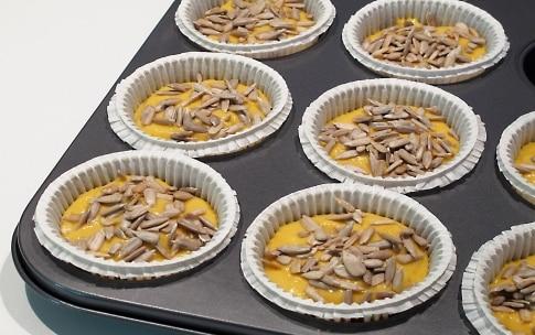 Preparazione Muffin alla zucca con cuore di gorgonzola - Fase 3